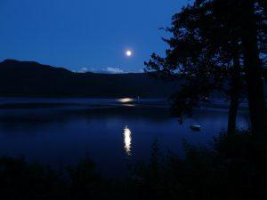 夜ヨガ瞑想